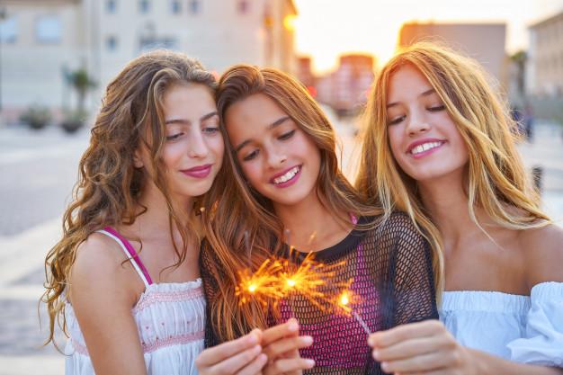 Ideas de Nombres para grupos de amigas locas Originales y Creativos