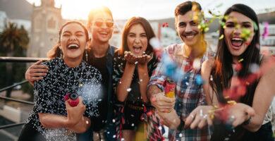 Ideas de Nombres para grupos de Amigos locos ORIGINALES